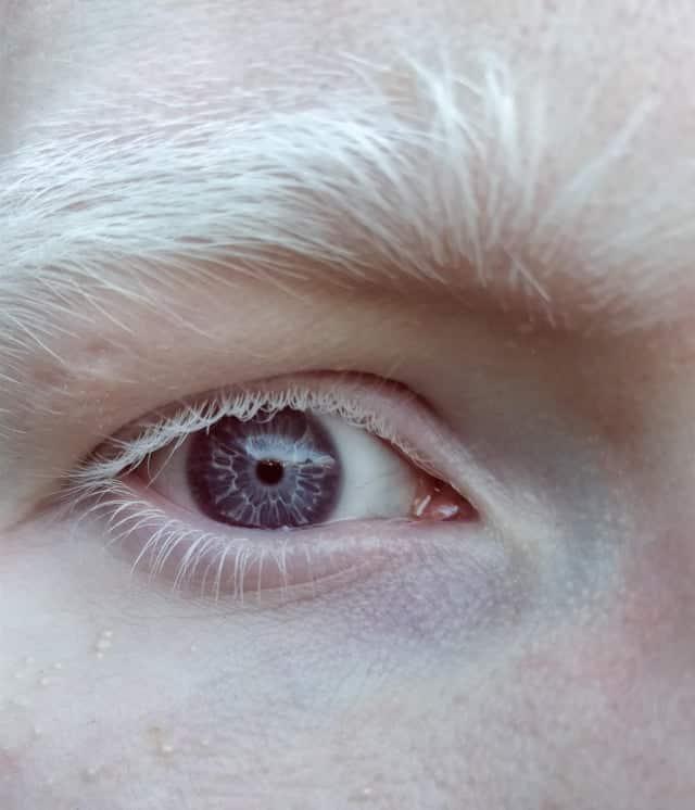 Mes yeux sont violets
